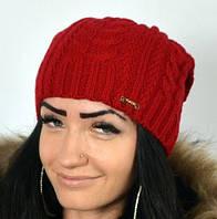 Удлиненная шапка красивого красного цвета, фото 1