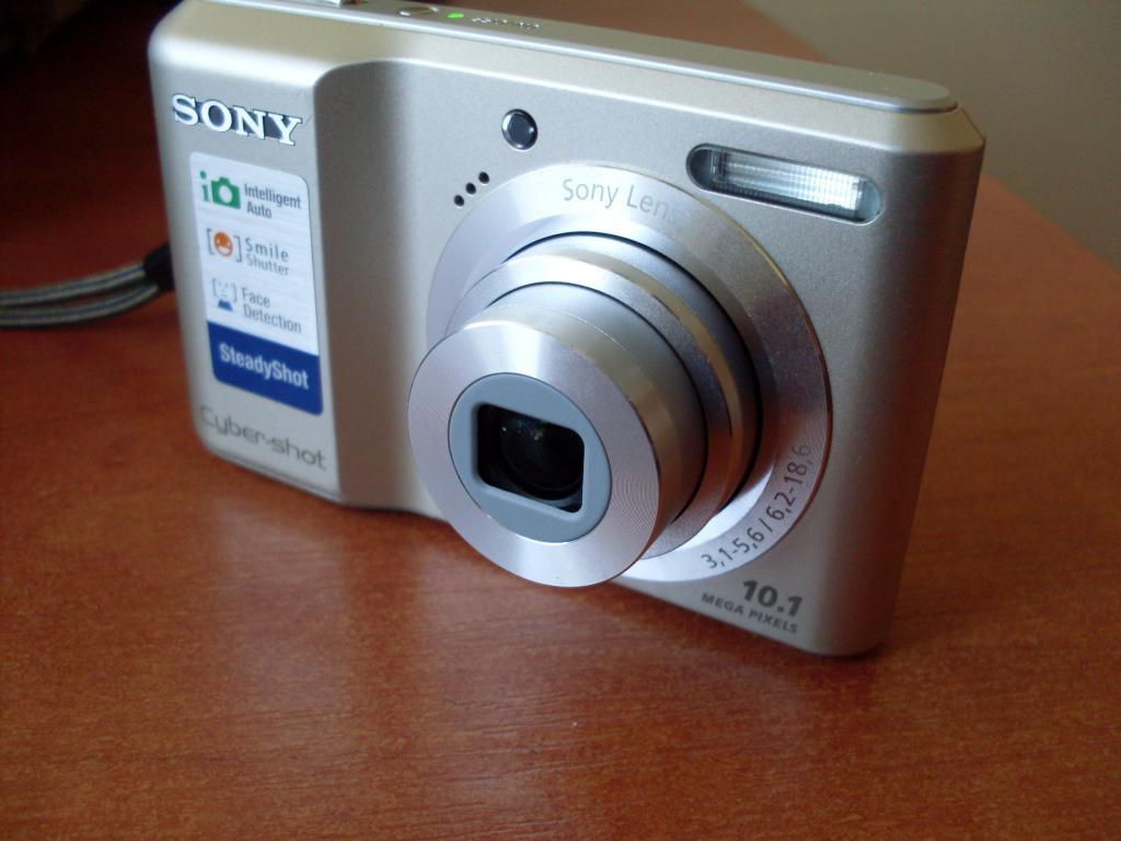 Фотоапарат Sony S2000 (відмінний стан)