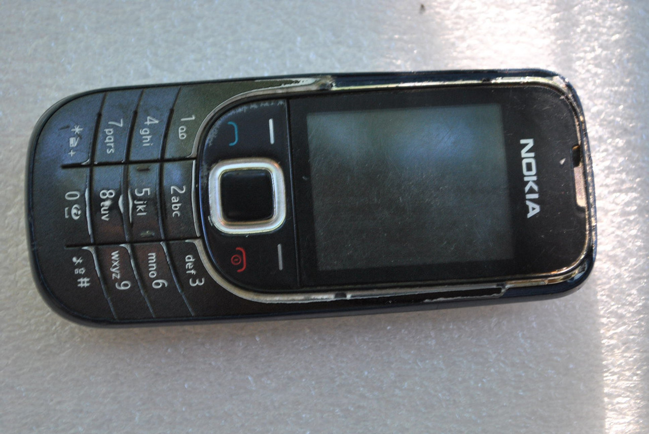 Nokia 2323c-2 залочена под оператора