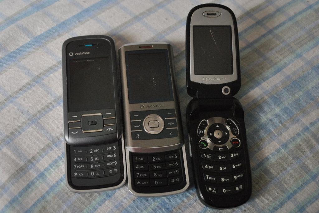 3 телефона Vodafone читаем описание