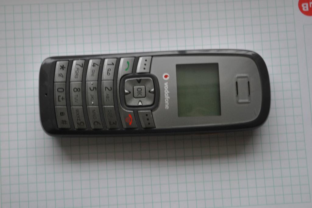 Стационарный телефон Huawei залочен под оператора