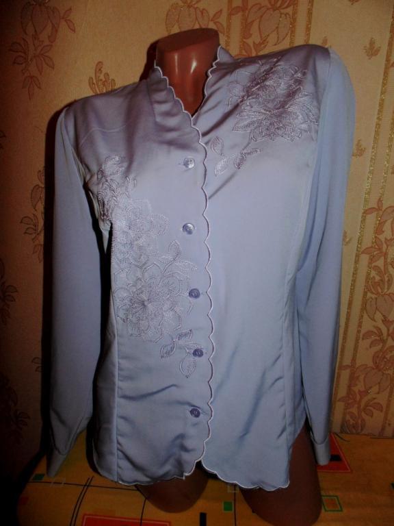 Бомбезная блуза 44р с вышивкой