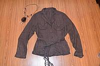 Коричневый лляной стильный пиджак.