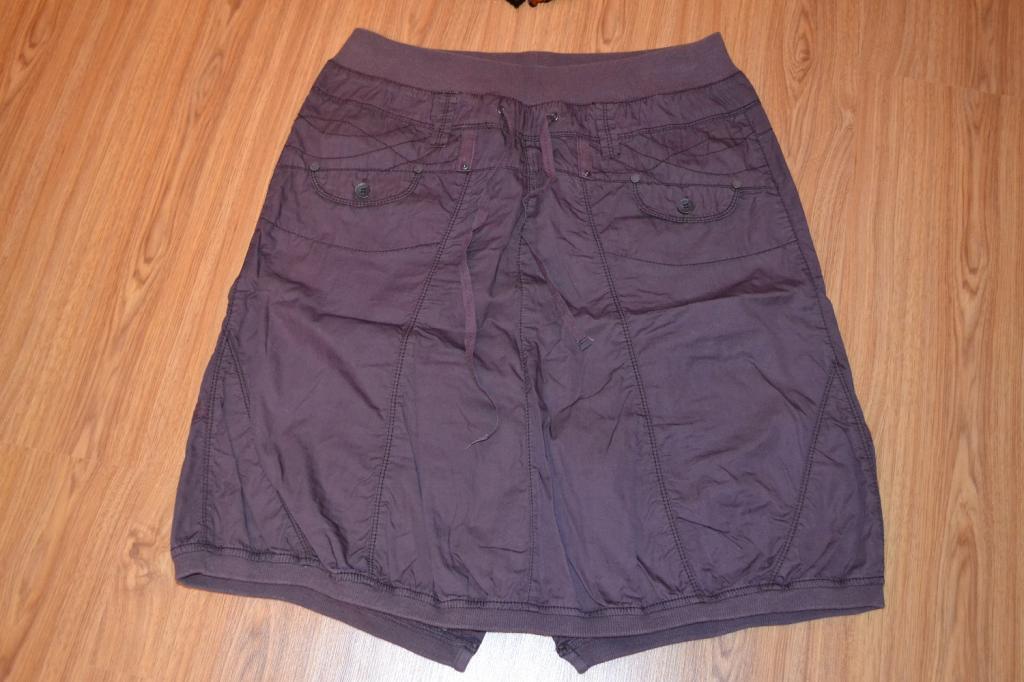 Сиреневая юбка на резинке.