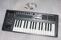 Roland Edirol PCR-300 - MIDI-клавиатура контроллер, б/у