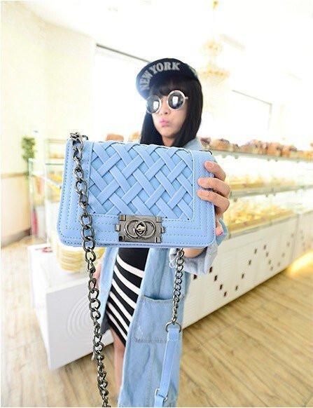 Женская сумка клатч Chanel blue плетенная