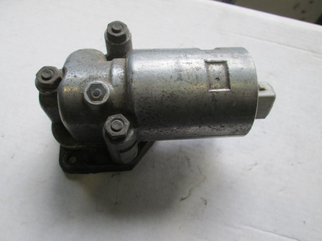 Клапан холостого хода Audi 100 80 A6 A8 2.8 3.7