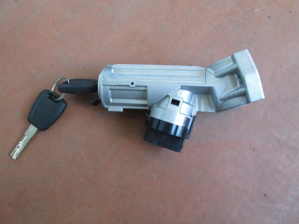 Fiat Ducato 06-14 замок зажигания с ключами