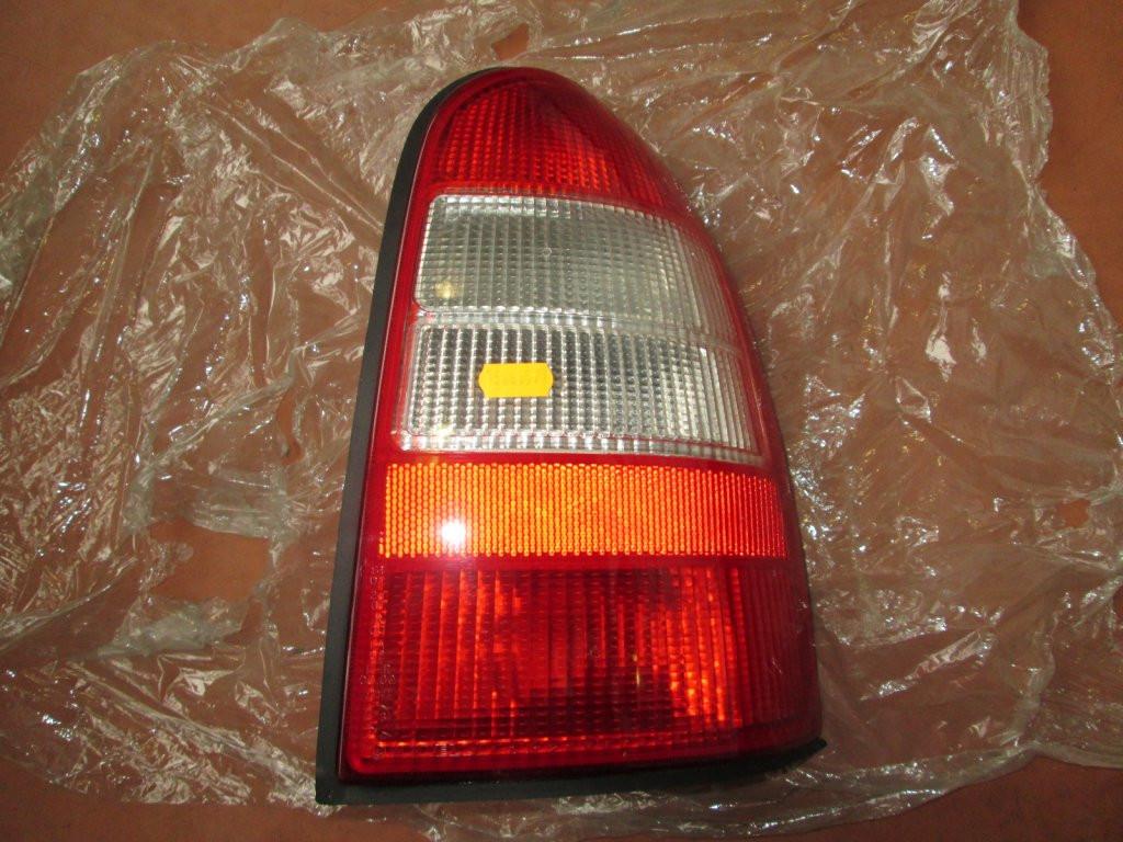 Фонарь задний правый Opel Vectra B 95-99 Combi