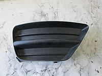 Заглушка решетка правая в бампер Ford Focus 02-04