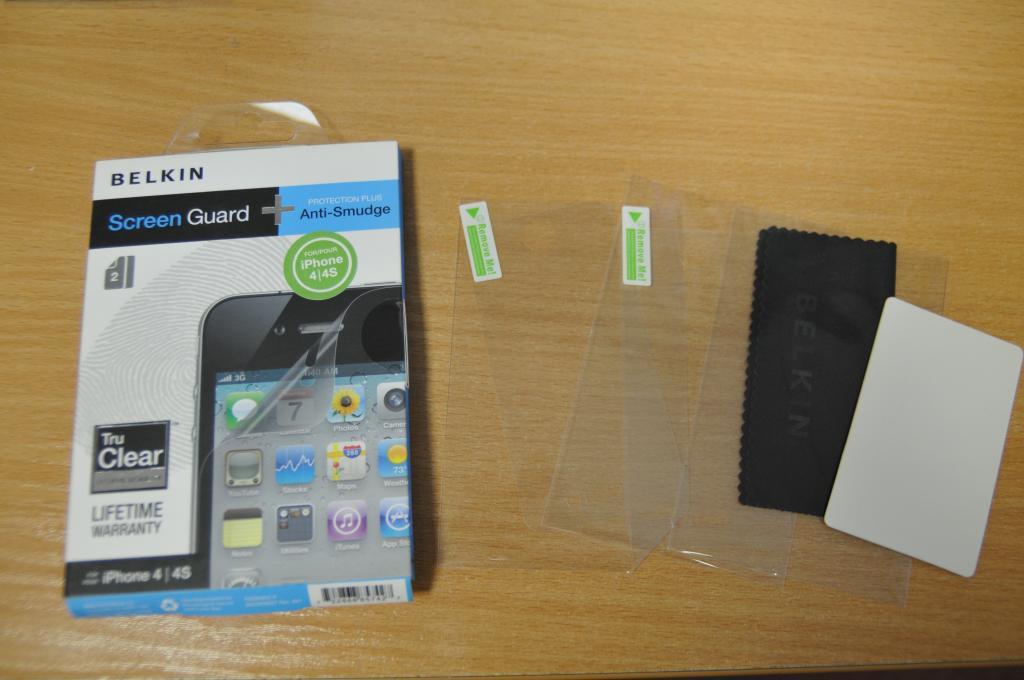 Защитная пленка для iPhone 4 / 4S Belkin 2шт