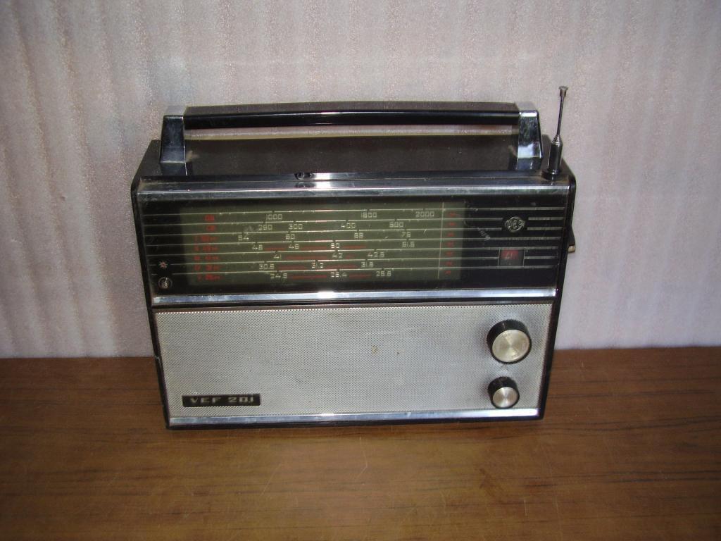 Транзисторный радиоприемник VEF-201