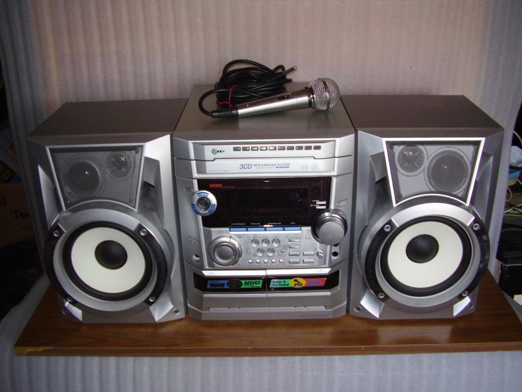 Музыкальный центр LG FFH-2108K (караоке)