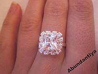 Серебряное кольцо с цирконием 925 пробы (3668)