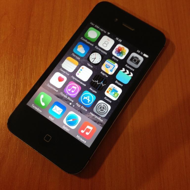 Iphone 4S(unlocked)черный