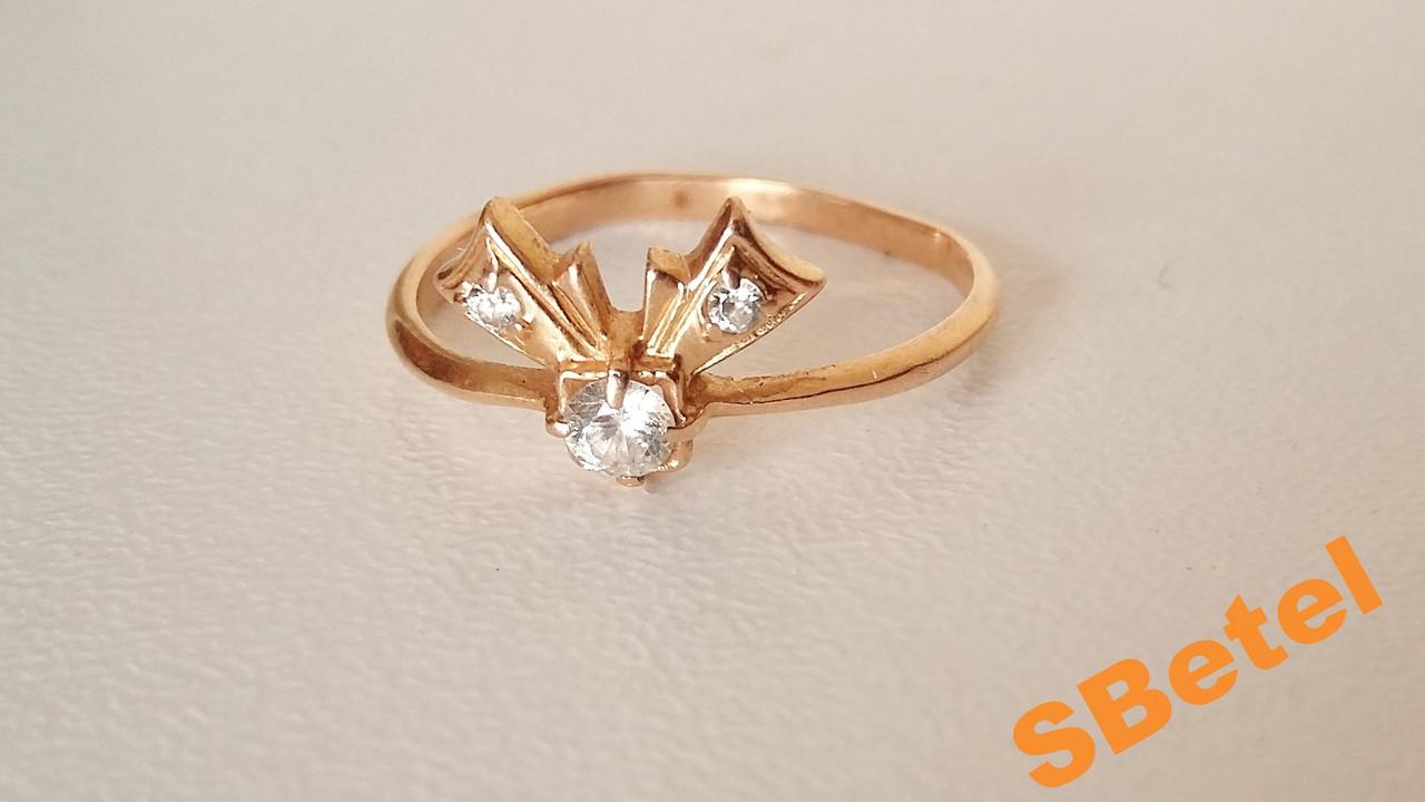Золотое кольцо с 3 камнями, колечко женское бантик