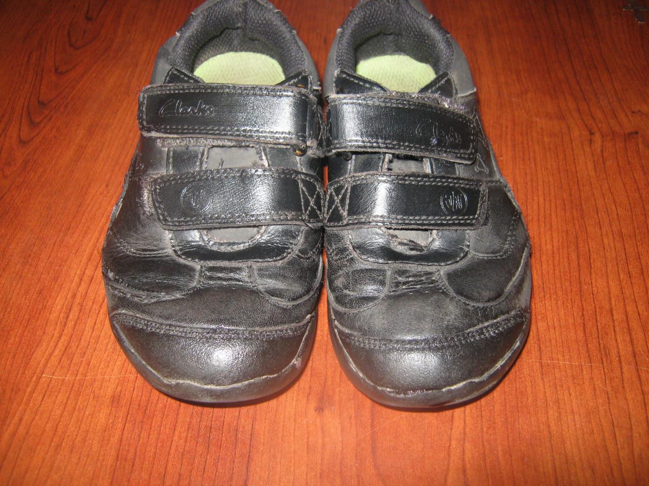 Шкіряні кросівки Сlarks 26 розміру. Блимають.