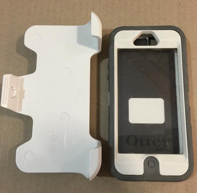 Чехол Otterbox для phone 5/5S оригинал б/у