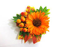 Заколка ручной работы, золотая осень, оранжевая хризантема, листья и калина
