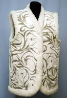 Тёплый женский жилет из овечьей шерсти