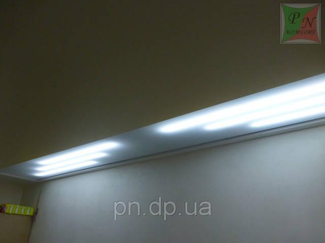 Комбинированный натяжной потолок (сатин+полупрозрачное полотно с подсветкой)