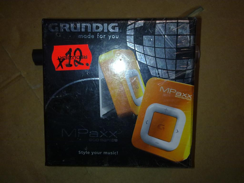 GRUNDIG MPaxx 900 GDS 2660 MP3 Player 2GB