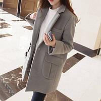 Пальто средней длины на пуговицах