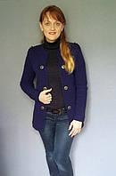Женская кофта-пиджак на пуговицах
