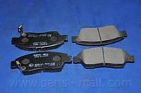 Колодки тормозные дисковые (производство Parts-Mall ), код запчасти: PKJE05