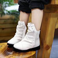 Стильные  демисезонные ботиночки в черном и белом цвете