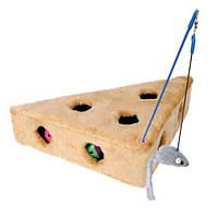 Игрушка для кошек Trixie Сыр меховой с игрушками 36*8*26 см