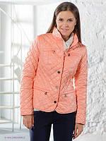 Женская короткая стеганная куртка декорированная змейками на карманах