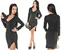 Короткое платье  с глубоким декольте черное