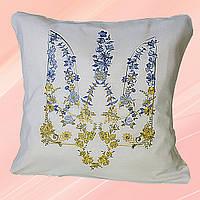 Декоративная подушка с вышитым трезубцем