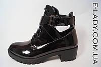 Лакированные черные ботиночки стильные