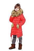 Стильная детская куртка красного цвета