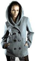 Короткое кашемировое пальто на двубортной застежке, с капюшоном