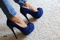 Модные женские туфли замшевые синие на высоком каблуке