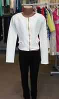 Пиджачок на девочку белый 134см