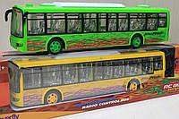 Автобус на радио управлении, батарейки, резиновые колеса,свет. в коробке 48-12-10 см