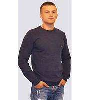 Однотонный мужской свитер серого цвета
