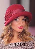 Оригинальная черная женская шляпка