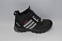 Подростковые зимние кожаные ботинки, черные, прошитые, сбоку серые вставки, на меху