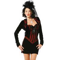 Красивый маскарадный костюм вампира