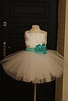 Великолепное праздничное платье на девочку с пышной юбкой из фатина и бусинами