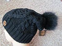Теплая вязаная шапка с бубоном 107