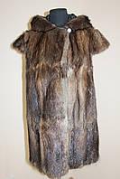 Жилетка с капюшоном из меха полевой норки