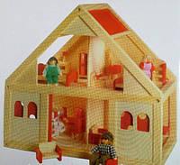 Деревянный домик для кукол, с мебелью и куклами