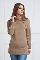 Утепленная женская кофта свободного кроя коричневого цвета