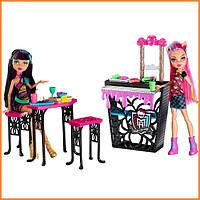 Крипатерия и куклы Monster High Хоулин Вульф и Клео (Howleen Wolf Cleo De Nil) из серии Creepateria Монстр Хай